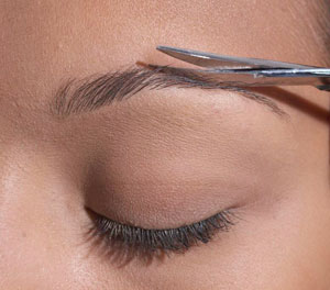 Shaping your eyebrows